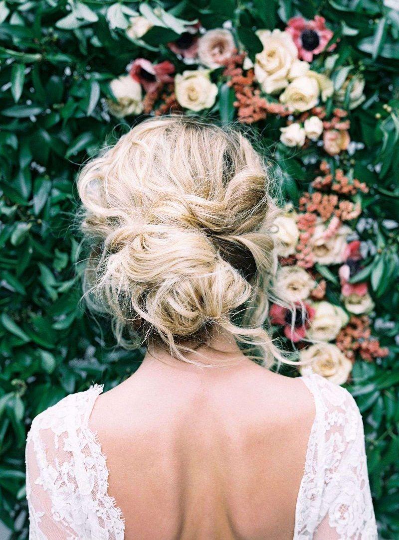 penteados-para-noivas-coque-despojado