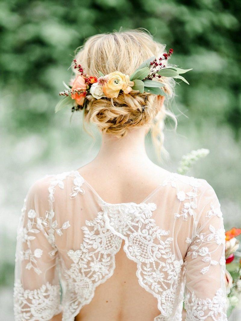 penteados-para-noivas-coque-com-flores