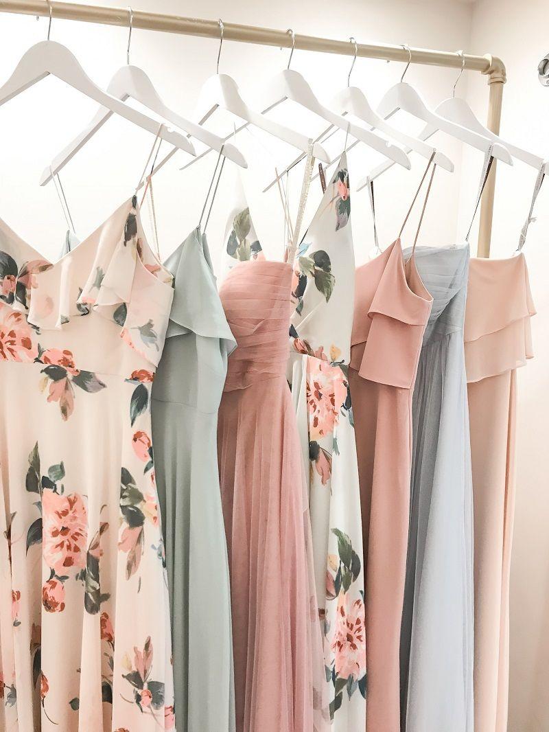 vestidos-longos-na-arara