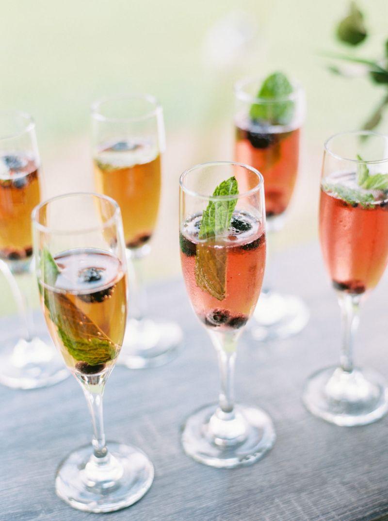 Bebidas-para-casamento-no-verão-Gref-Finck-Perry-Vaile-Photography