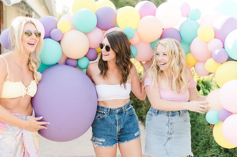 amigas-com-balões