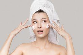 Maquiagem e pele sensível? 5 dicas que podem te ajudar na hora de escolher os produtos
