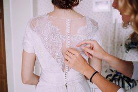 7 pontos para levar em consideração antes de escolher o vestido de noiva sob medida