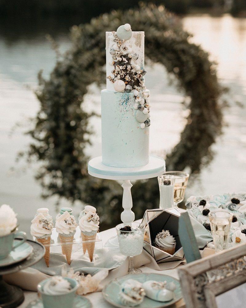 bolo e doces para festa