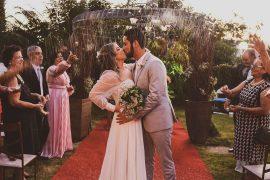 """Apesar da pandemia, mudamos o formato do casamento e foi perfeito!"" | Junia e Breno"