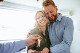 Como conciliar as dívidas do casamento com a parcela do apartamento?