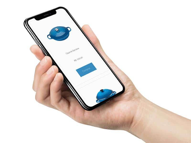celular mostrando presente fictício na lista de presentes convertida em dinheiro